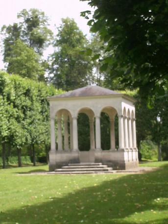temple de l'amour parc château de compiègne